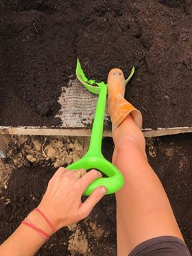 Shovel compost
